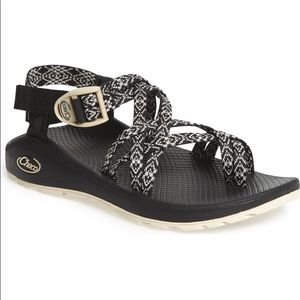 Size 9 Chaco Cloud Z/2 Black Strappy Sandals